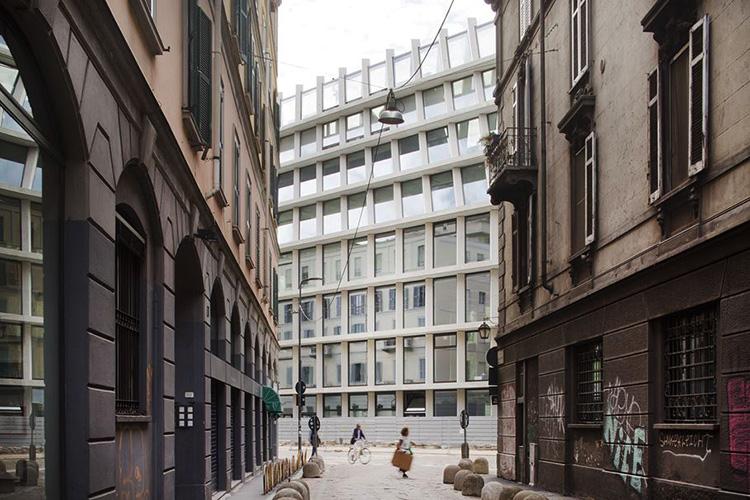 the-lightline-architecture-fondazione-feltrinelli-1