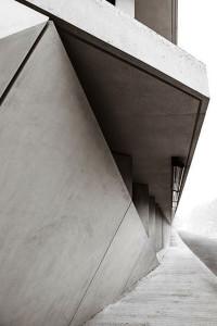 the-lightline-architecture-fondazione-feltrinelli-detail-concrete
