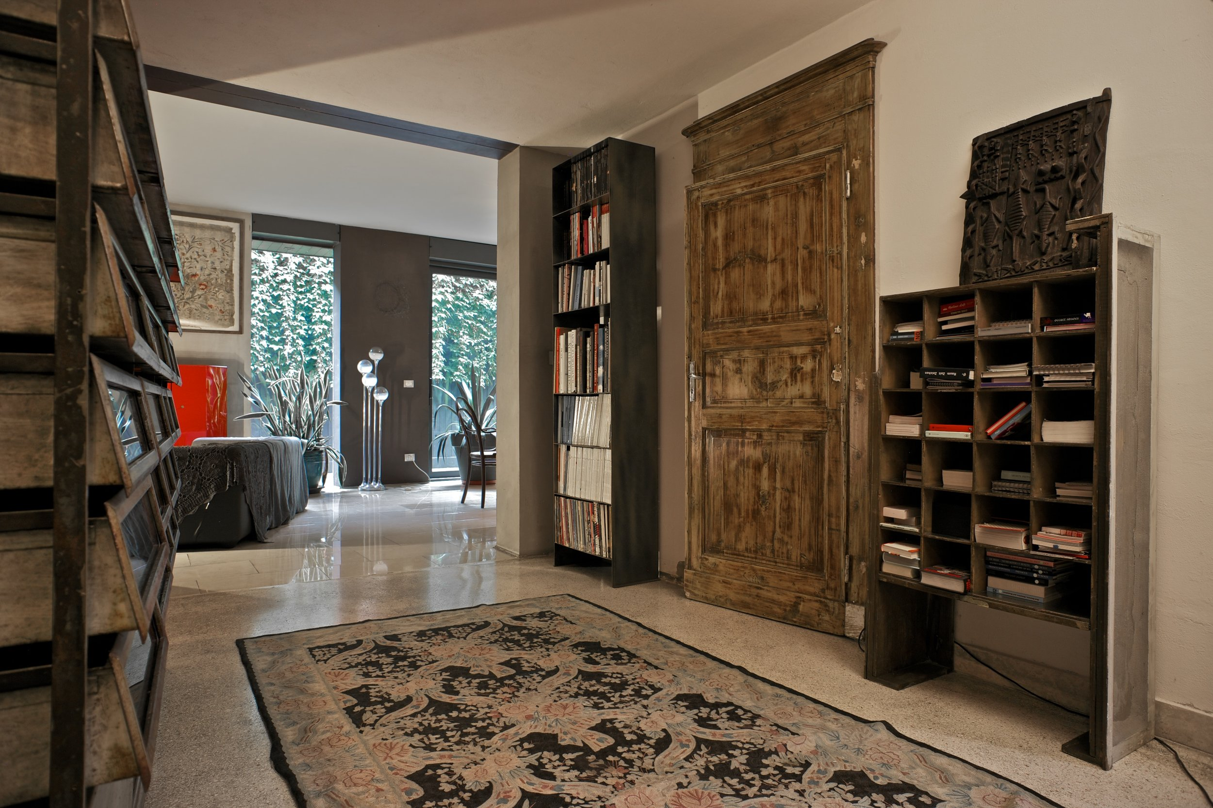 the-lightline-house-interior-bbdesign-bologna-bookcases