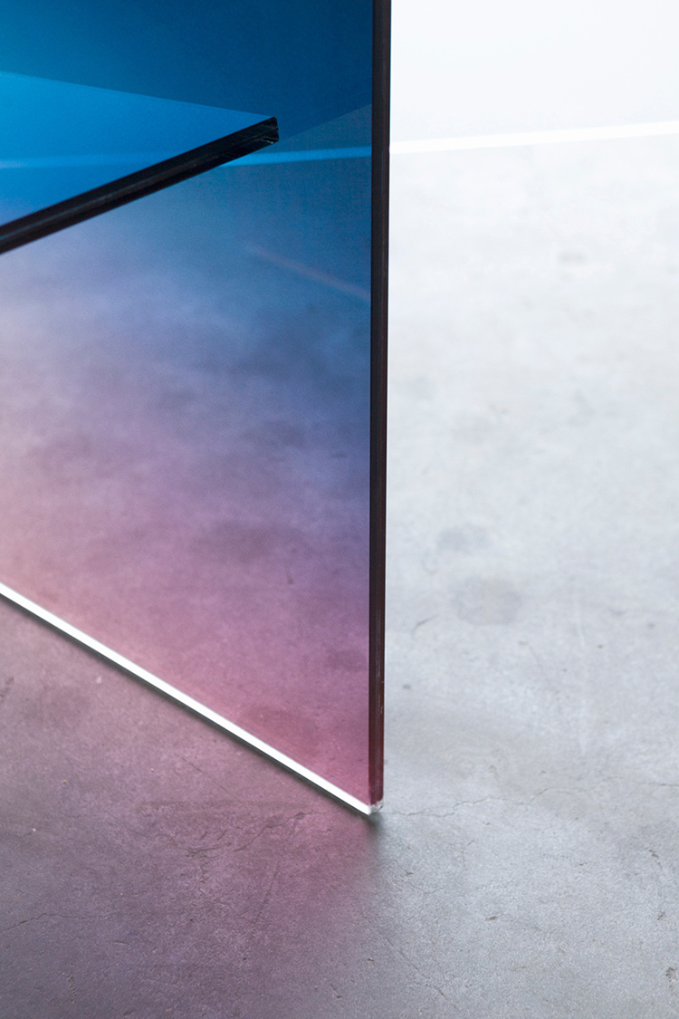 the-lightline-mdw17-rossana-orlandi-germans-ermics-ombre-glass-chair
