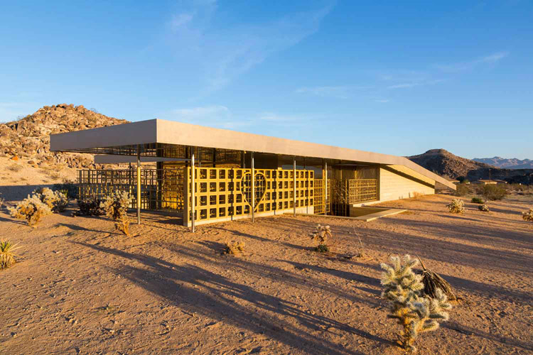 the-lightline-modernism-week-gold-house