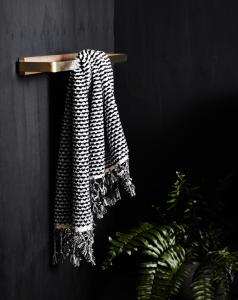 the-lightline-wood-melbourne-bathroom-accessories